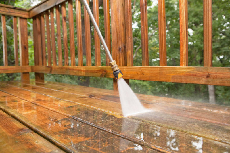 Wood Deck and Fence Cleaning and Sealing